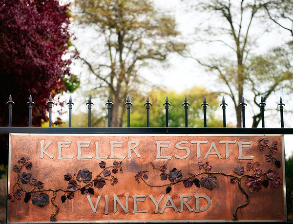 Keeler-Vineyard-Sign